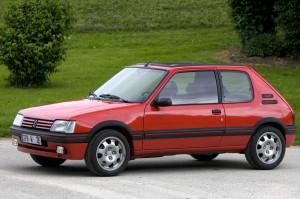 Peugeot_205_GTI_002