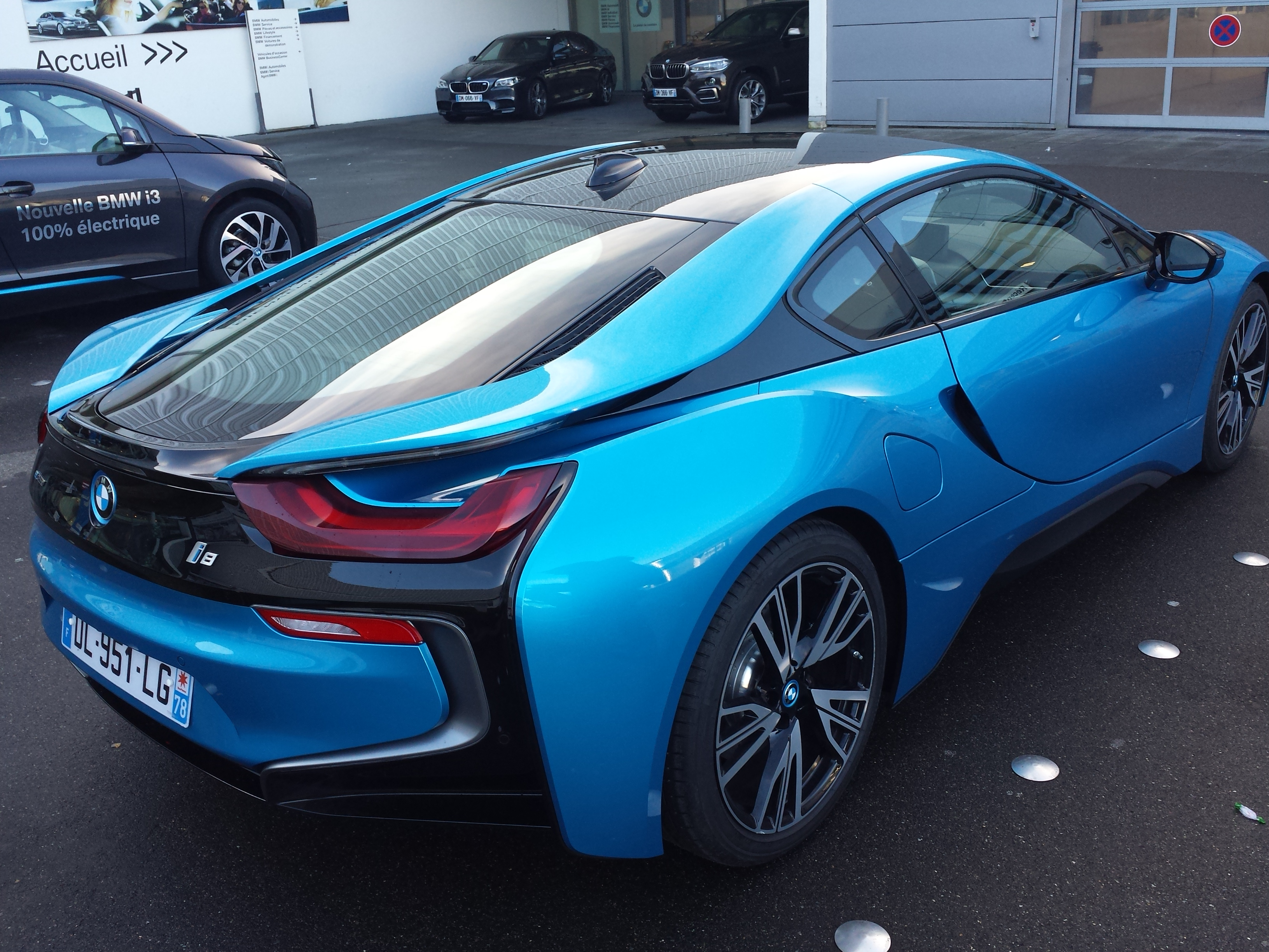 bmw i8 hybride rechargeable de sport essais. Black Bedroom Furniture Sets. Home Design Ideas